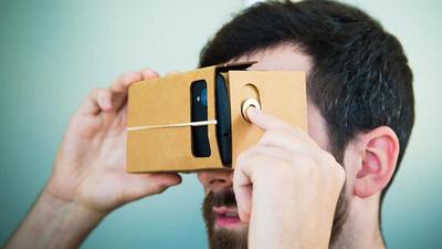 Google 用纸板做的 VR 眼镜,如今全球用户超 100 万