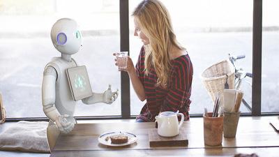 Pepper 被喻是一台比你对象更深情的机器人,开售一分钟,1000 台机器人就被抢空