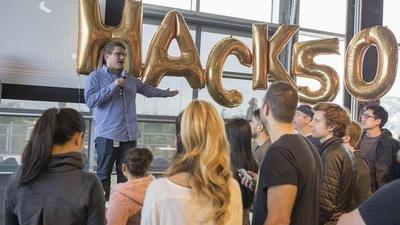Facebook 第 50 届黑客马拉松,Zuckerberg 钦点的几个人工智能作品