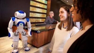 希尔顿与 IBM 沃森合作测试 AI 礼宾机器人,也有你想看的希尔顿
