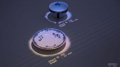 索尼「黑科技」:概念桌面一秒变触摸显示屏