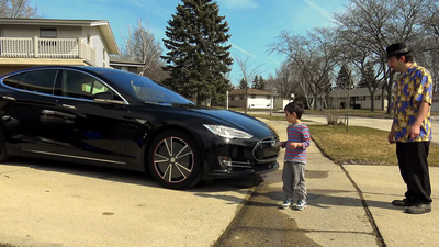 用小朋友测试特斯拉的自动驾驶?一定不是亲生的!