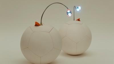 既能踢又能充电,这款足球缓解了非洲的供电压力
