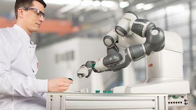 在生产制造领域,协作机器人为何能成为后起之秀