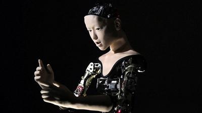 日本仿生机器人 Alter 也有应激性,机器跟人类的过渡体?