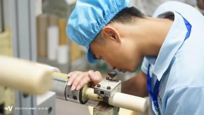 万事俱备,东风难找,从这家自黏产品生产企业,看传统制造企业的转型思考
