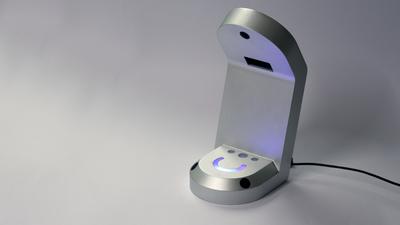 扔掉笨重的头显设备,HoloLamp 让你感受下什么叫做裸眼 AR