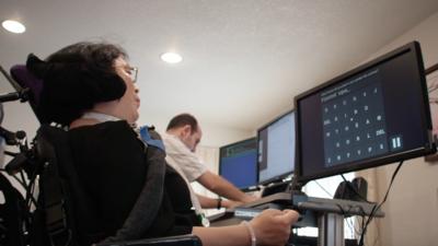 离「念力控制」又进了一步,斯坦福大学脑机接口技术创造了新的脑力打字纪录