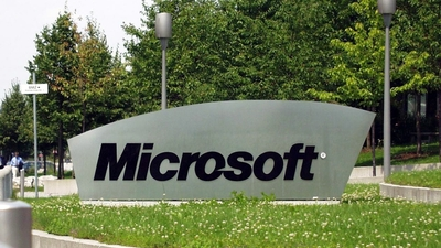 Surface Laptop 后,微软又有新品发布;陈欧涉足共享充电,王思聪要吃翔? | 一周资讯