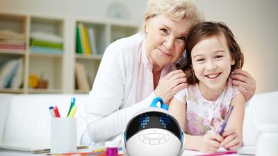 这位 80 后奶爸做了一款语音机器人,卖了 4 个亿连李彦宏都亲自点赞