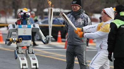 担任韩国平昌冬奥会的机器人火炬手,DRC-HUBO 的来头不简单