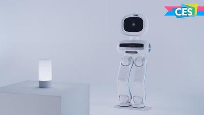 优必选推出双足机器人 Walker,可自由上下楼梯,未来看齐 ASIMO? | CES 2018