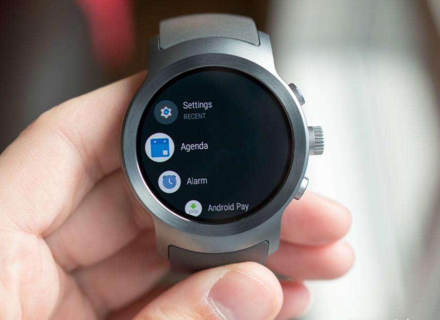 Uploads%2farticles%2f12311%2flg watch sport android wear app drawer meitu 2