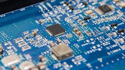 2018 Q2 全球芯片销售额 1179 亿美元,同比增长 20.5%