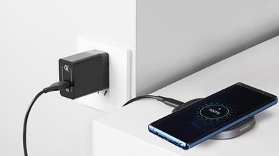 跳票一年的苹果 AirPower 还没开卖,大波竞品已经在路上了 | 盘点无线充电板