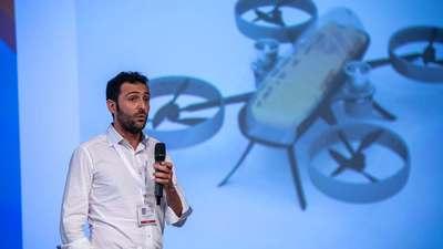 能自动驾驶的飞行救护车?这款能载人的救援概念无人机拿下 FAI 博览会大奖