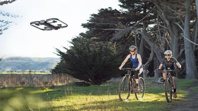 价格坚挺的、主打纯视觉避障的航拍无人机 Skydio R1,还是宣布降价了
