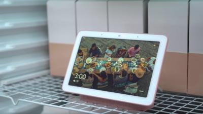 Google 带屏智能音箱 Home Hub 也能视频通话了,但实际效果会令你窒息
