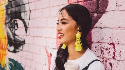 18 款真无线耳机上新:降噪、高音质、运动防水、助听、时尚丨CES 2019