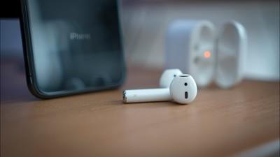 苹果新 AirPods 支持免提唤醒 Siri,头罩式耳机也即将发布