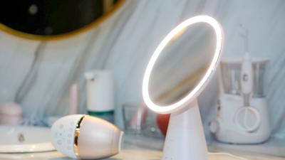 天猫精灵新物种:智能音箱+美妆镜,大概还能帮马云赚女人的钱