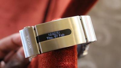 索尼 Wena Wrist 腕带:为传统手表换上智能的灵魂