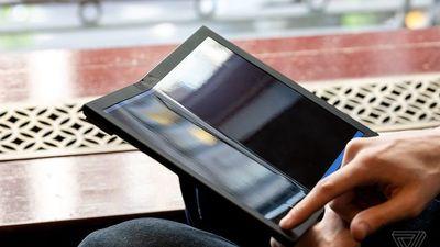 联想首款折叠电脑 ThinkPad X1 上手:成为硬核生产力工具指日可待?