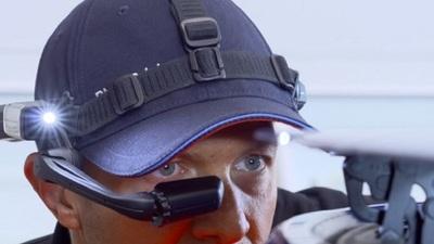 宝马推出 AR 眼镜 TSARAVision,提升汽车的检测与维修效率