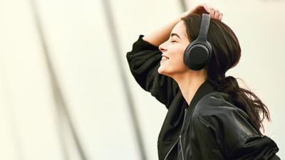 索尼新一代无线降噪耳机上线,主打重低音,售价 1599 元