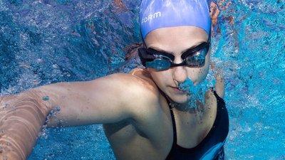解锁游泳新姿势,FORM 发布智能 AR 泳镜,售价 199 美元
