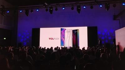 TCL PLEX 智能手机海外发布:独立显示引擎、后置三摄、329 欧元起丨IFA 2019