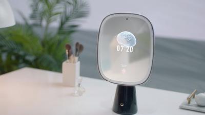 照镜子 70 分钟,语音交互 50 分钟,天猫精灵开放 AI 美妆镜技术