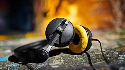 致敬经典,森海塞尔发布复古限量版 HD25 头戴式耳机