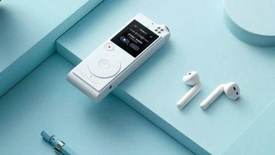 讯飞发布首款 TWS 耳机,将录音笔的实时转写和翻译能力延伸至耳畔