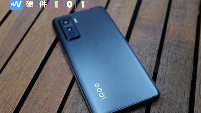 拿着 iQOO 5 打了一个月的游戏,之后它替代了 iPhone 成了我的主力手机