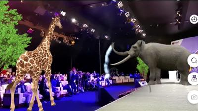 借助「华为河图」技术,华为将大型动物带进了 MWC 2021 上海展的舞台