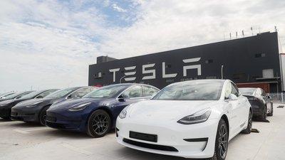 全国一年售出 130 万辆电动汽车,特斯拉 Model 3 和宏光 mini 成为扛把子 | 报告