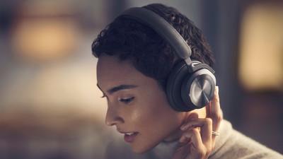 B&O 推出了比 AirPods Max 性价比更高的 Beoplay HX 头戴式降噪耳机
