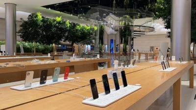 2021 年第一季度全球 5G 手机销量达 1.36 亿部,iPhone 12 系列出货量环比下降 23%