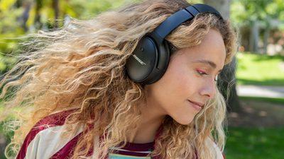 Bose 头戴式降噪耳机新宠 QC45 来了!让你佩戴和听音都舒适