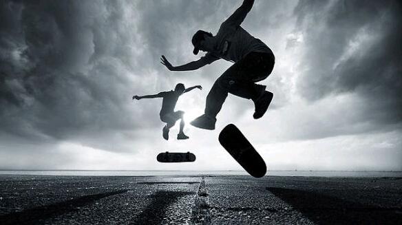 滑板摩擦摩擦  似魔鬼的步伐