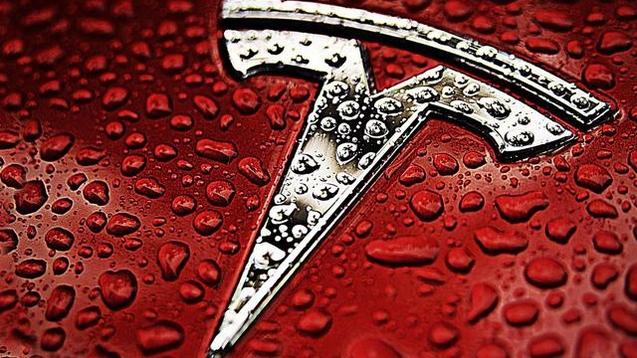 湾+ 新品每日早报:特斯拉发布新款电动汽车,百公里加速 2.9 秒,土豪们的新玩具!