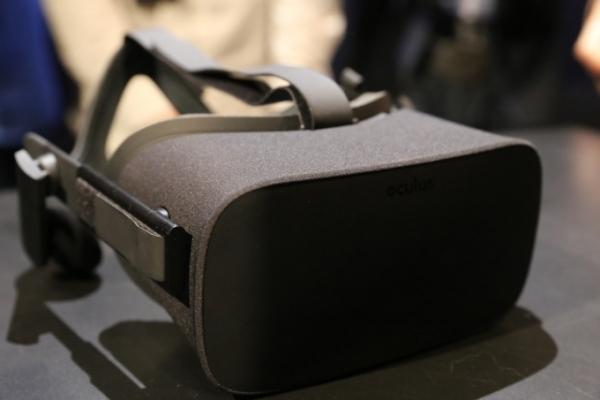 Oculus  Consumer Version 1 虚拟现实头盔