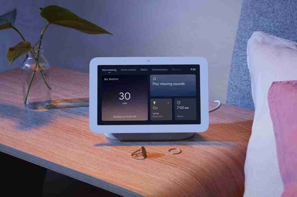 Nest_Hub_Lifestyle_Your_Evening_with_Sleep_Sensing