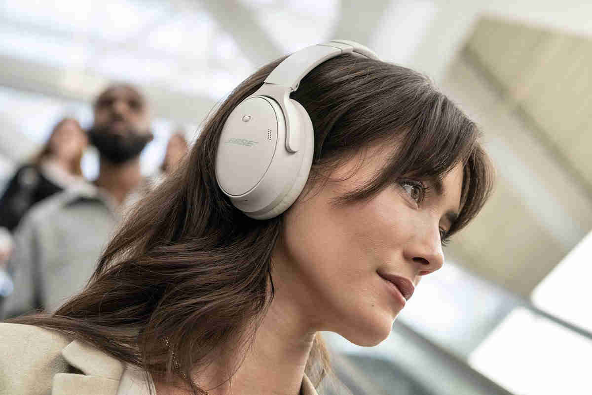 158189-headphones-news-new-bose-qc45-headphones-officially-announced-now-available-for-pre-order-image1-zeafxibm0r