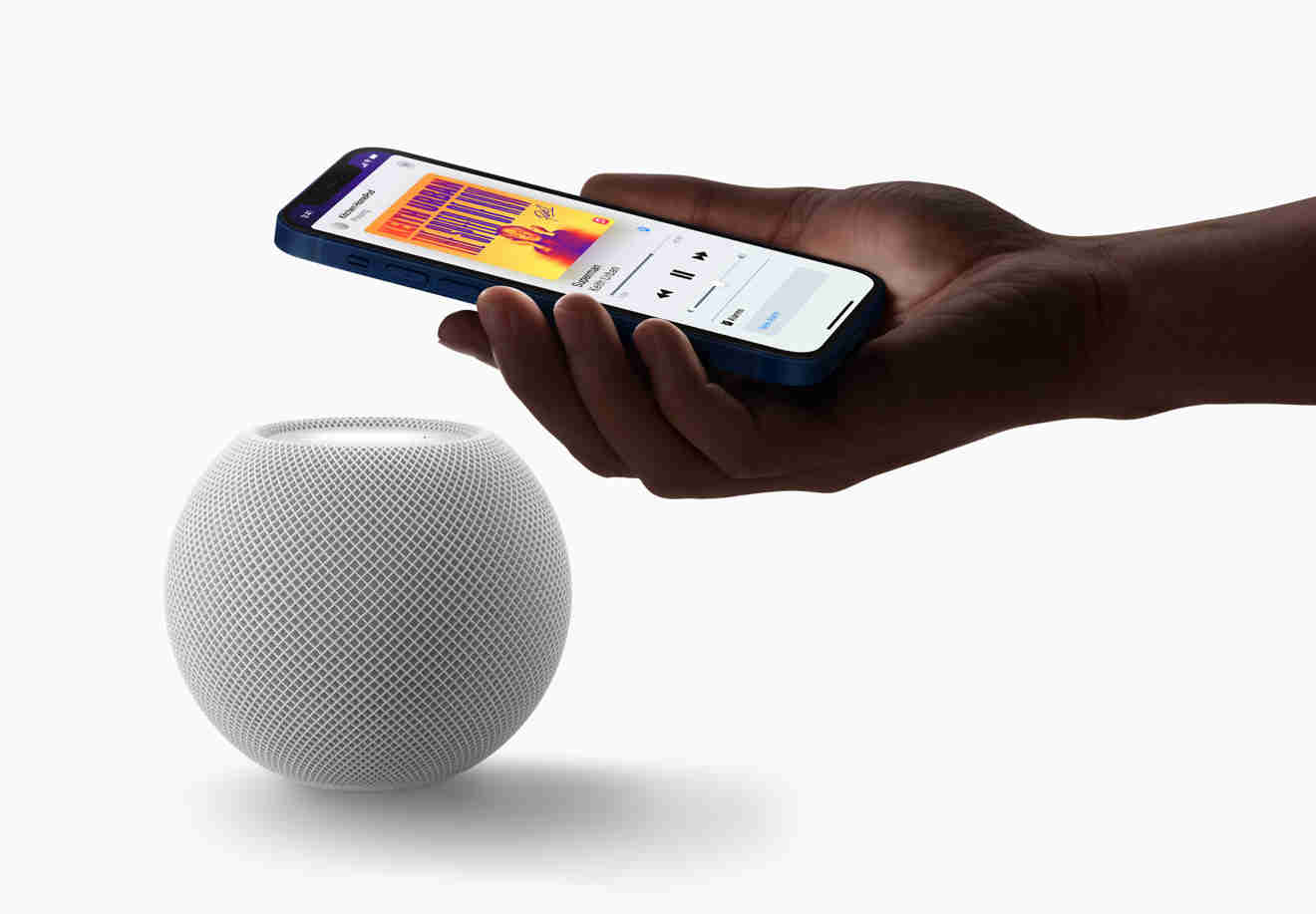 38147-72491-Apple_homepod-mini-white-iphone-pairing_10132020_bigjpglarge_2x-xl