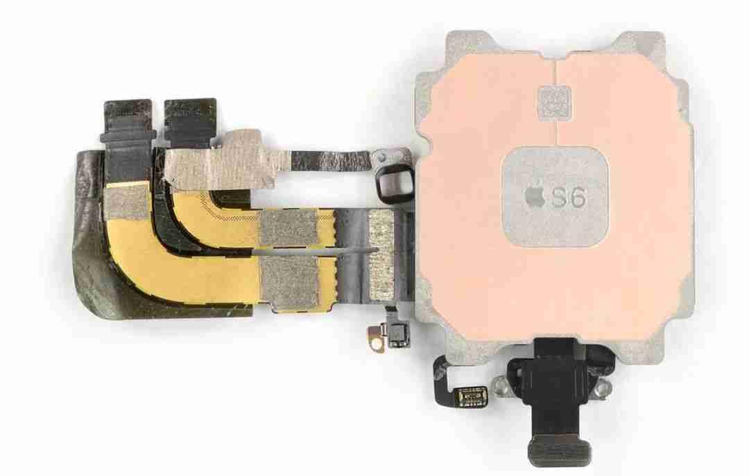 2-Apple Watch S6 芯片拆解 | 图源:iFixit