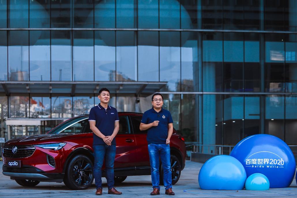 8-百度车联网事业部总经理苏坦(左)、vivo软件产品策略总监欧阳坤(右)