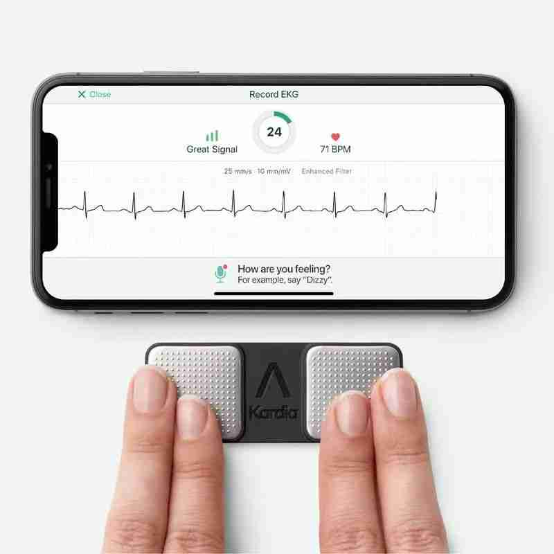 1-AliveCor 的 ECG 设备和算法已经获得了美国 FDA 认证批准