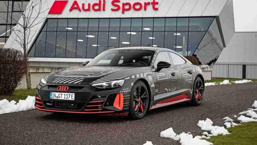 7-奥迪亮相了旗下的全新电动车型 e-tron GT